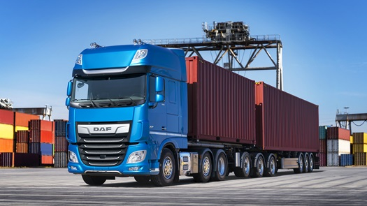 DAF-XF-FTG-6x2-SuperSpaceCab-Blue