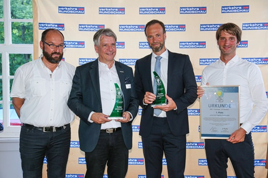 DAF CF Electri wins Green Trucks Award 2019 DAF CF Electric Hand over of the Award 02