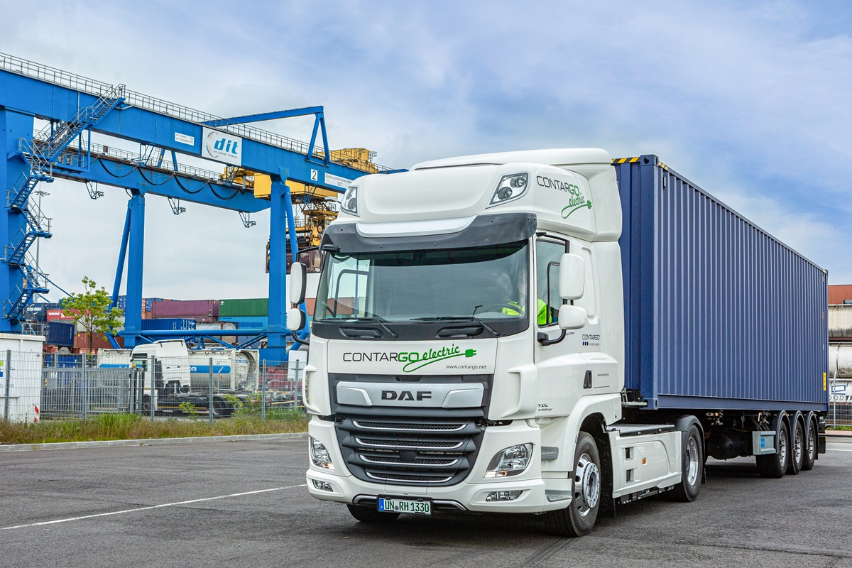 DAF-CF-Electric-wins-Green-Trucks-Award-2019-DAF-CF-Electric-in-use-at-Contargo-01