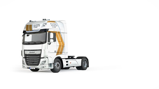 04 DAF Super Space Cab Celebration Edition White